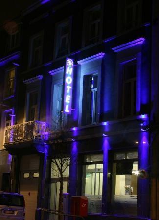 Hotel Prestige: Exterior