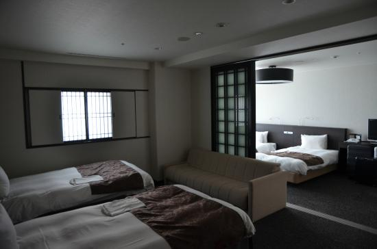 Kyoto Tower Hotel: 寬敞的四人房
