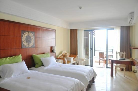 Xinglong Old Banyan Tree Hot Spring Resort