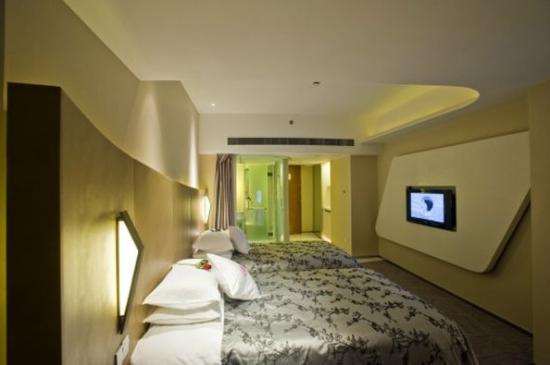 E.M Grand Hotel: Deluxe Twin Room