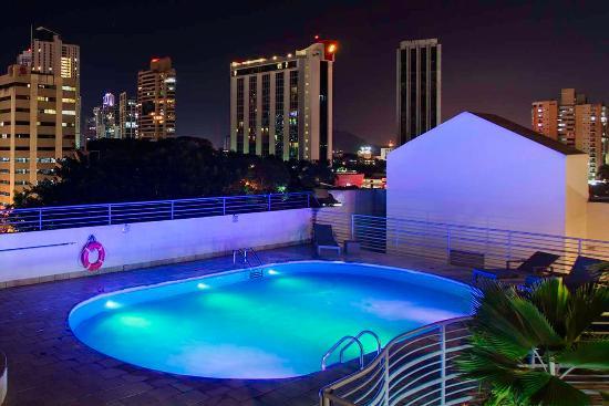 DoubleTree By Hilton Panama City: Outdoor Pool