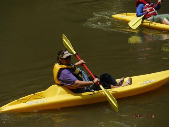 Mendota, เวอร์จิเนีย: Yellow Old Town Twister Sit On Top Kayak