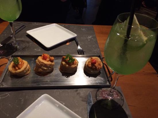 Moleskine Gastrobar: Vol-au-vent de lagosta e Love Apple
