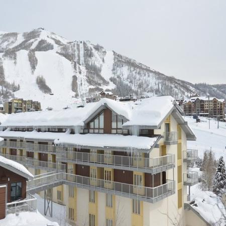 Ski Time Square Condominiums: EXTERIOR
