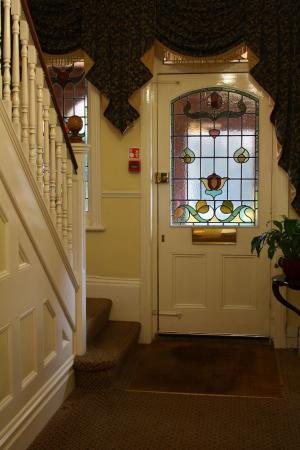 Lattice Lodge: Lobby