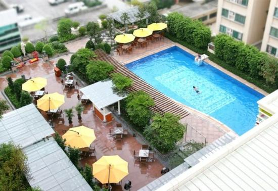 Grandlei Hotel: Swimming Pool