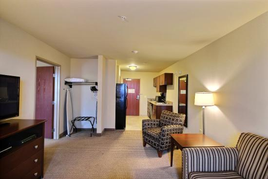 Cobblestone Inn and Suites Oshkosh: Suite