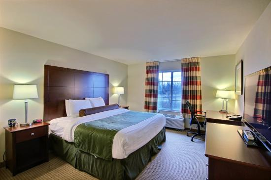 Cobblestone Inn and Suites Oshkosh: KingGuestroom