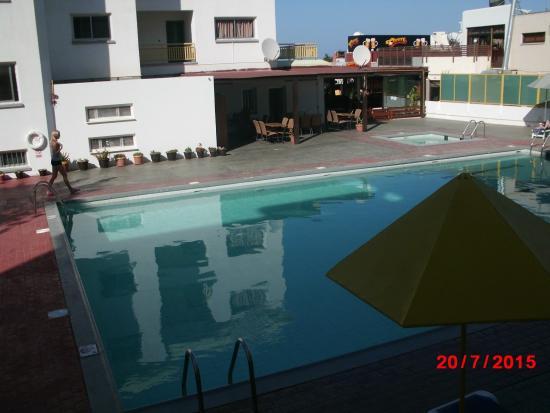 Kokkinos Hotel Apartments: вид из номера