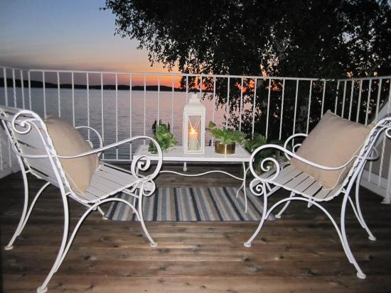 Water Street Inn: Enjoy the sunset from your condo!