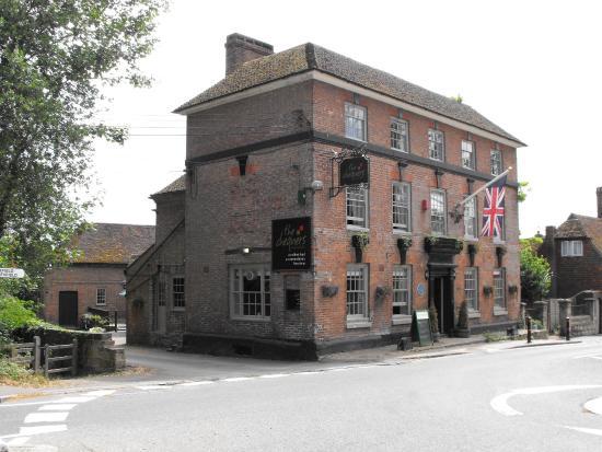 Chequers Inn: Hotel Exterior