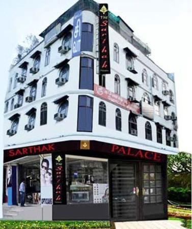 Hotel Sarthak Palace: Exterior