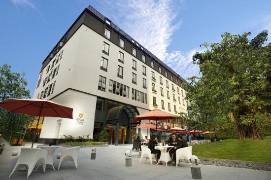 U ホテル