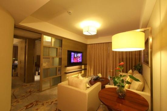 Metro Grand Hotel: Other