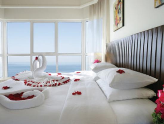 Ramada Beach Hotel Ajman: Suite