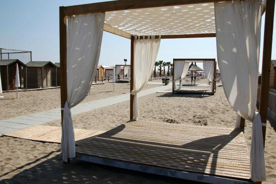 Novit 2015 i gazebi sulla spiaggia picture of playa del sol sottomarina tripadvisor - Bagno punta canna sottomarina ...
