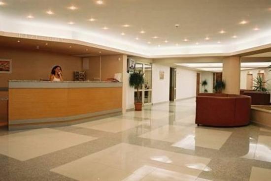 Hotel Kavkaz: Lobby
