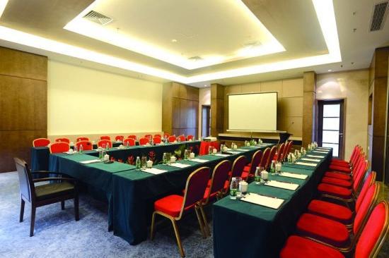 Holliyard Sea View Resort Hotel: Meeting Room