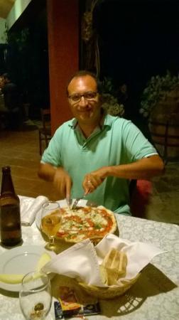 Barone Montefeo: Mi appresto a mangiare la pizza messinese