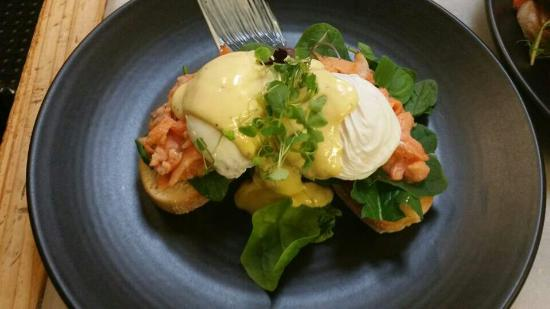 Eat Cafe : So yum