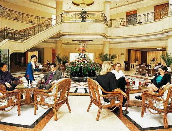 Jingmen, China: Lobby