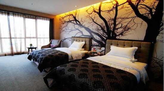Shengshi Qianhe Hotel : Deluxe Twin Room