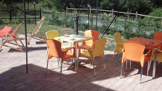 tavoli esterni per colazione esterna - Picture of La Maga del Lago ...