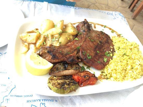 Meteora Restaurant: Melhor restaurante! A dona do restaurante é um amor de pessoa! Foi super simpática! Nos oferecer