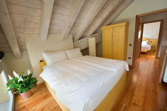 Camera da letto - Foto di Residence Club Ponte Di Legno, Ponte di ...