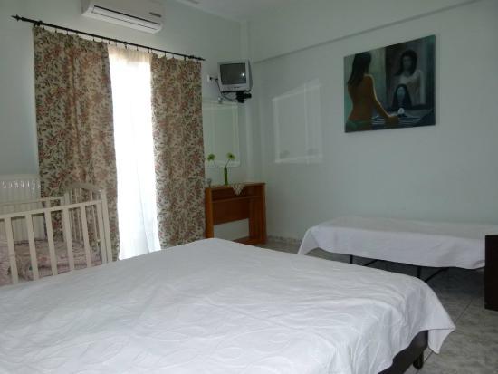 Hotel Dias: ΟΙΚΟΓΕΝΕΙΑΚΟ ΔΩΜΑΤΙΟ