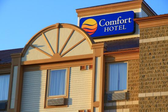 Comfort Hotel Bayer's Lake: Exterior
