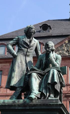 Hanau, ألمانيا: Памятник братьям Гримм