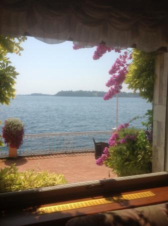 Grand Hotel Gardone : Lake view from Lounge.
