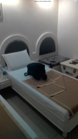 Hotel Sonali Regency: AC ROOM 2ND FLOOR SONALI REGENCY BHOPAL