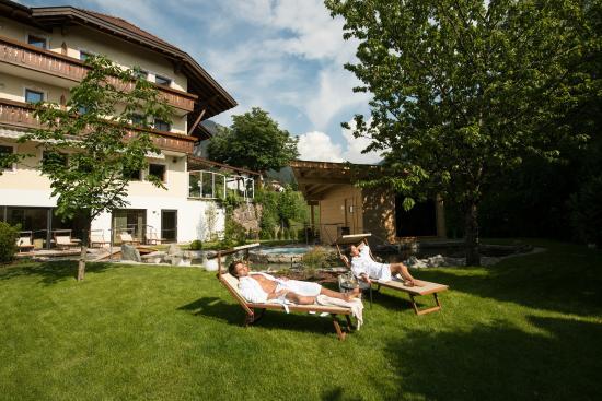 Hotel Weisses Roessl: Garten