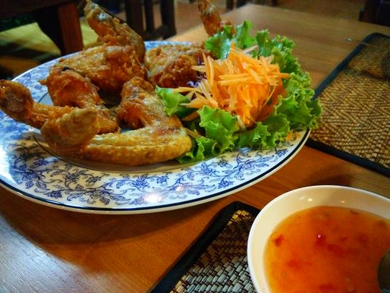 Sea Breeze: entree -fried chicken wings