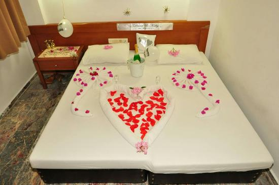 Blue Lagoon Hotel Marmaris: The managers of the hotel did all this for us thankyou again