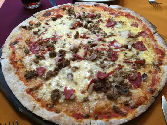 "Pizzeria De Johnny: Pizza named something with ""Johnny"""