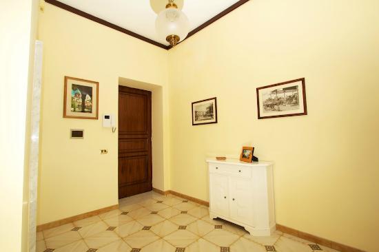 Sine Tempore Holiday Apartments: Ingresso appartamento con due camere da letto
