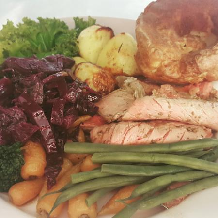 Ship Inn: Sunday roast beef with all the trimings