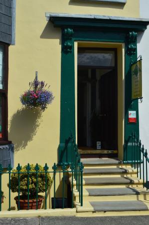 Rebleen Guest House: Entrance