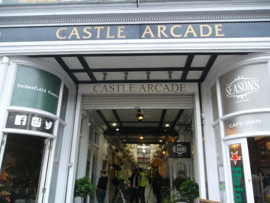 Castle Quarter Arcade: Castle Arcade