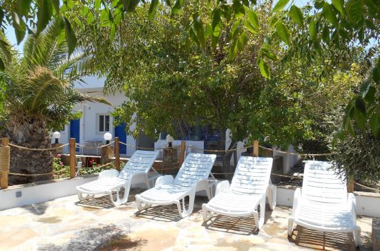 Psathi Beach : ξαπλωστρες