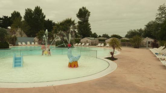 Yelloh Village La Plage: piscine extérieure