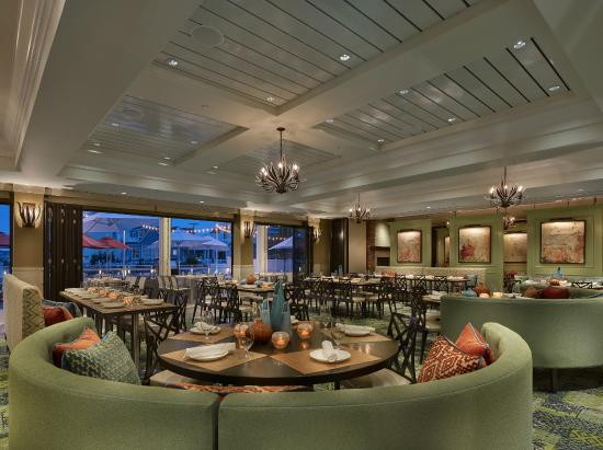 The Reeds at Shelter Haven: Water Star Grille Dining Room
