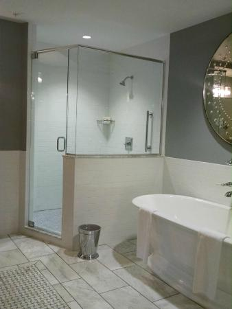 Granville, OH: Large modern shower.