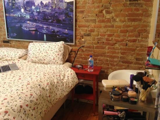 Le Simone: Room 2