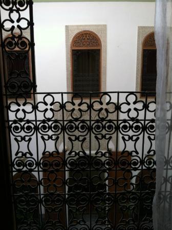 Riad Zamane: finestra della camera