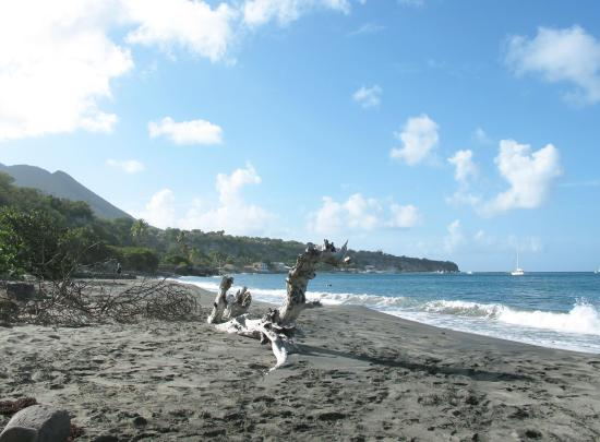 St. Eustatius: Looking south from the sandy northern end of Orange Bay