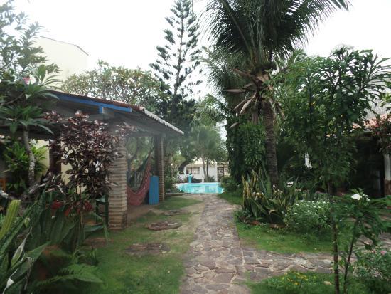 Pousada Calanda: Jardim e piscina do Hotel Calanda